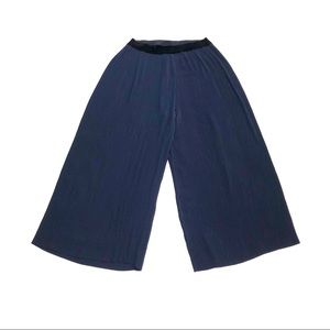 Zara navy pleated wide-leg cropped pants culottes